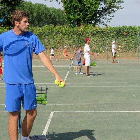 Stage de tennis avec des jeunes espagnols