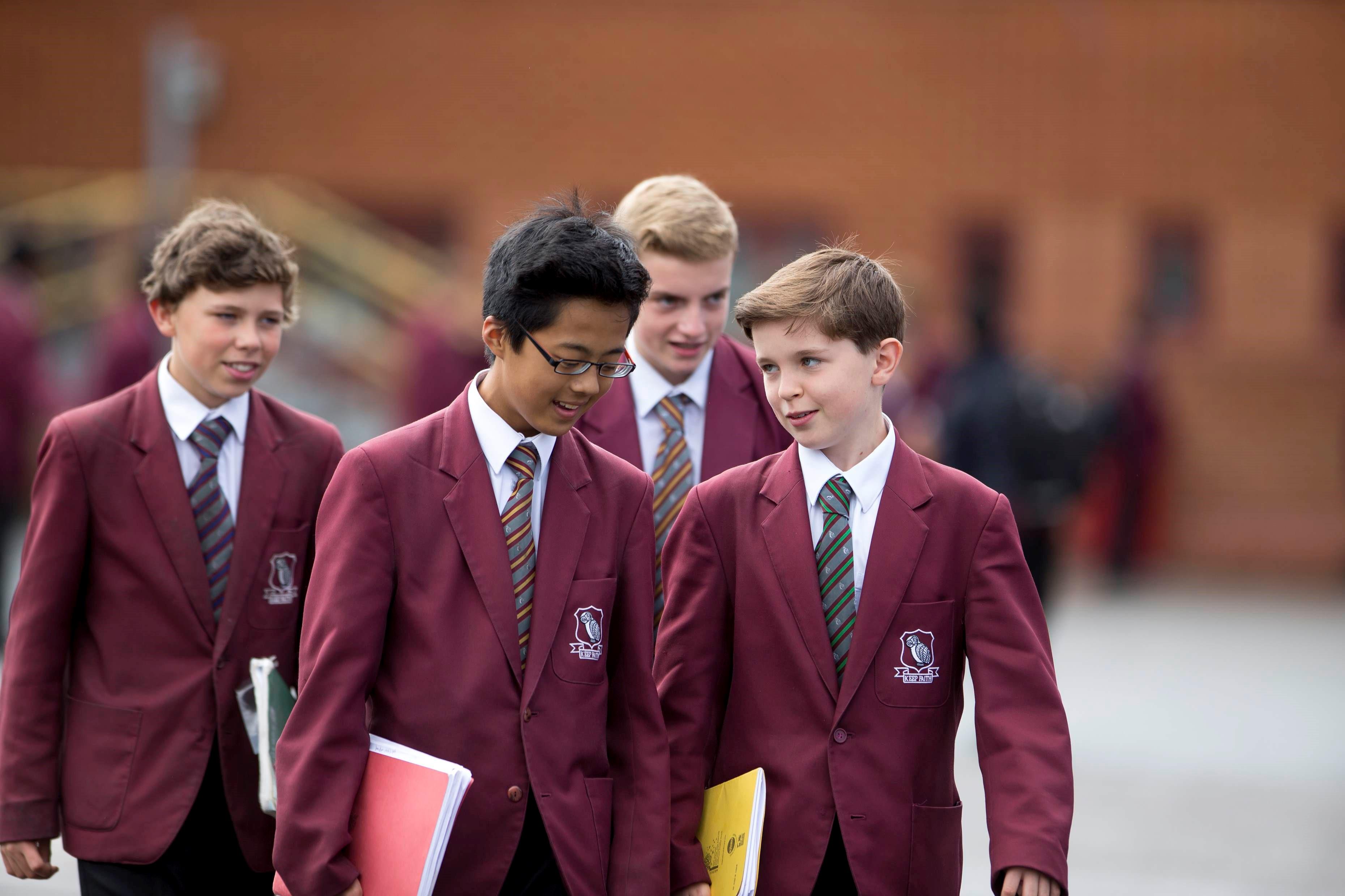 ENJOY AND SPEAK año escolar o trimestre en el reino unido